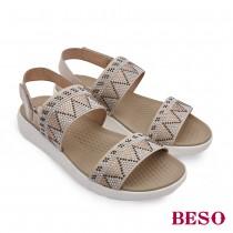 BESO熱情仲夏幾何排鑽鬆緊帶平底涼鞋
