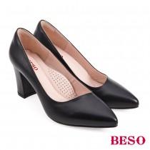 BESO國民小資女柔軟羊皮素面尖頭中高跟鞋